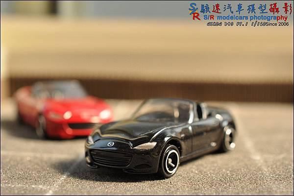 Mazda Roadster (MX-5) by Tomica 037.JPG