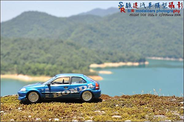 Honda civic EK9 by Johnny Lightning 020.JPG