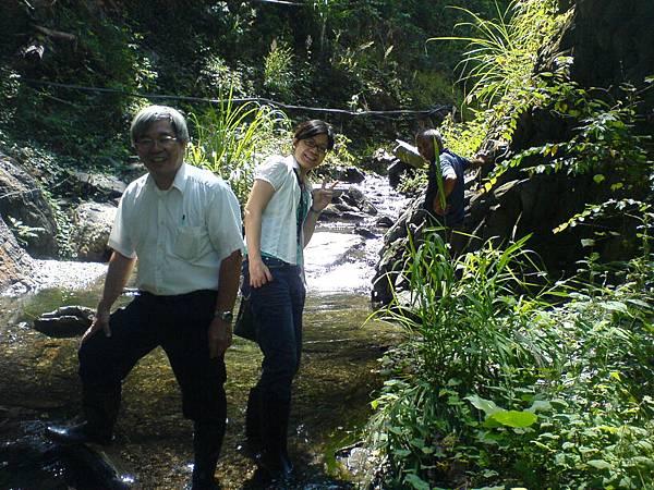 吳金濱博士及何惠雅博士到太魯灣的溫泉頭參觀