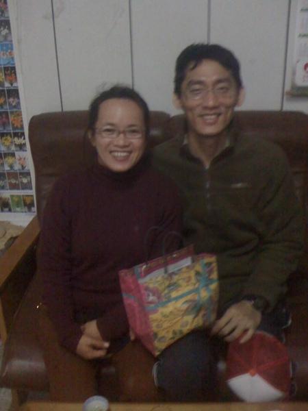 台南的杜家興夫妻購買雪茶