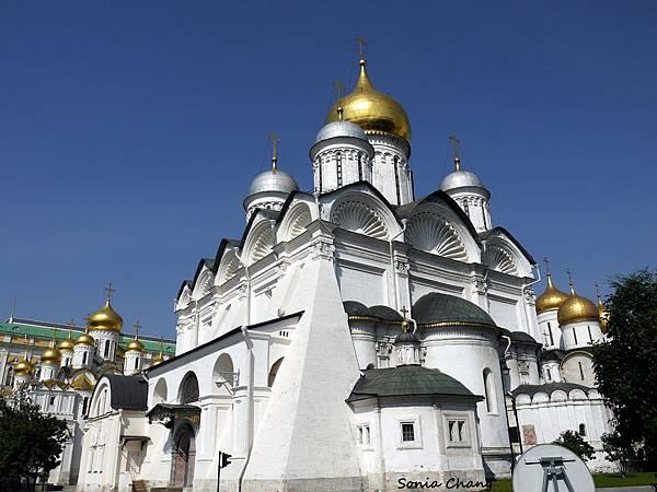主教宮與12使徒教堂