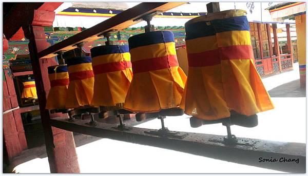 《奔跑在西藏最大寺廟 –哲蚌寺!》01