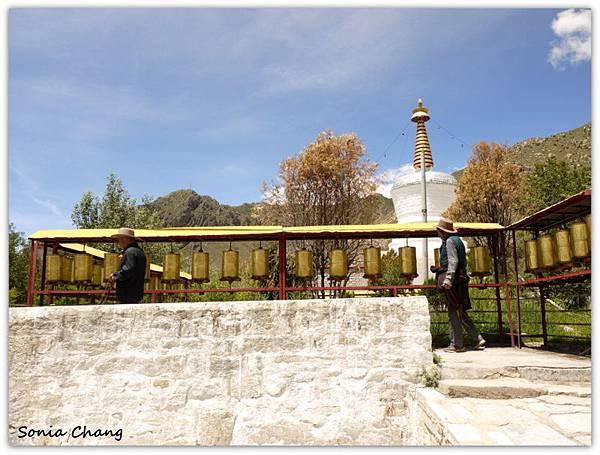 《奔跑在西藏最大寺廟 –哲蚌寺!》11