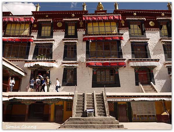 《奔跑在西藏最大寺廟 –哲蚌寺!》17