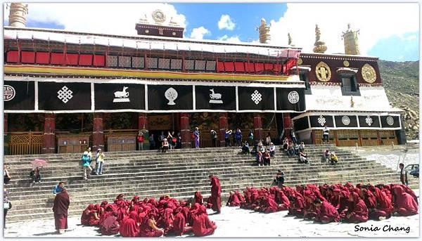 《奔跑在西藏最大寺廟 –哲蚌寺!》34
