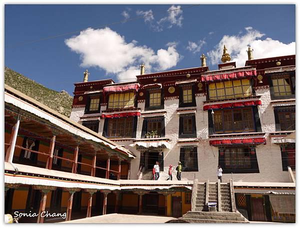 《奔跑在西藏最大寺廟 –哲蚌寺!》38