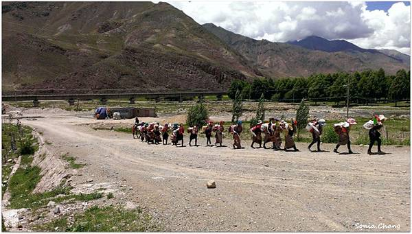 西藏。在天邊!《好福氣–世界神山日.慶德鄉望果節!》36