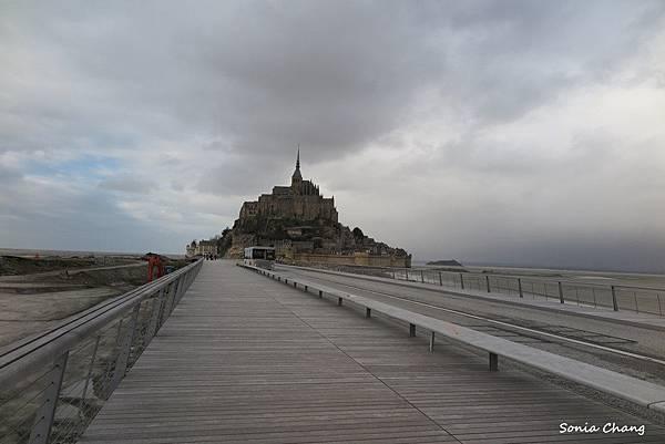 《La Mère Poular ﹣普拉嬤嬤!法國.Mont ST Michel》01