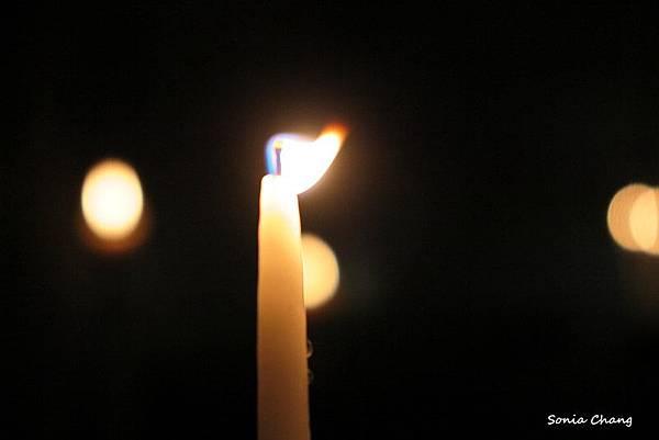《我在馬賽山上點盞祈福之燈!法國.Marseille》11