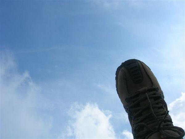 踩上藍天白雲