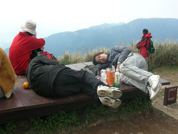 睡的超熟的二個人