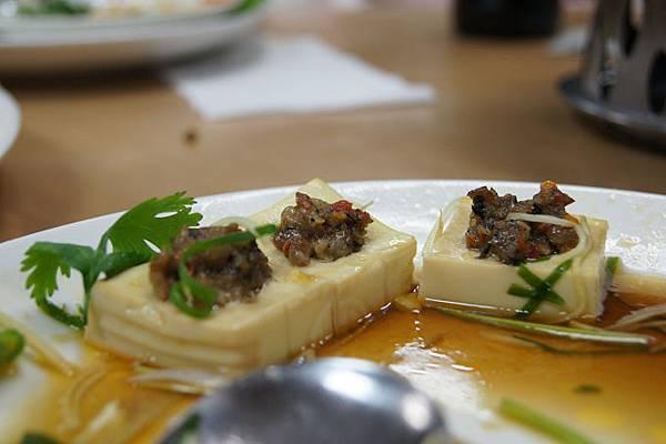 鑲肉黃金豆腐