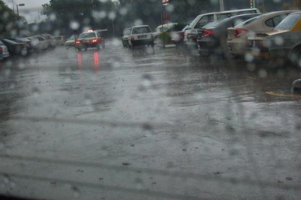 傾盆大雨.JPG