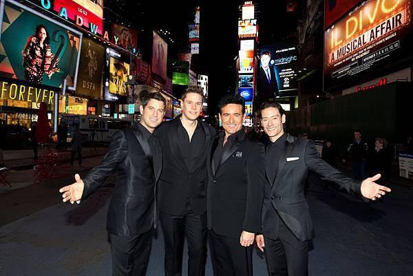 Broadway Live Shot 6-36380620
