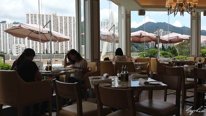 香港 沙田 河邊的義大利餐廳la Terrazza Bar Grill Sophia
