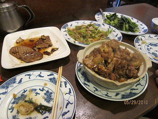 北港台菜- 兩人吃得很過癮.JPG