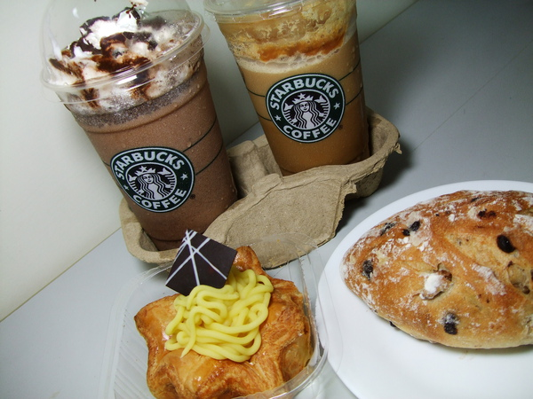宵夜---STARBUCKS & FLAVORFIELD