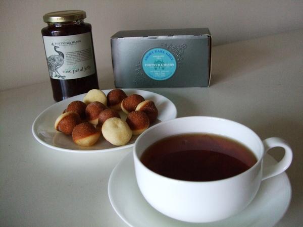 茶點---FORTNUM & MASON 玫瑰花瓣果醬 with 煙燻伯爵茶