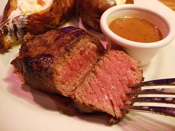 Outback Steakhouse 澳美客牛排2010年六週年慶經典牛排優惠