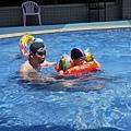 游泳父子1.JPG