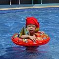 游泳(泳褲變泳帽)1.JPG