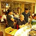 餐廳客滿1.JPG