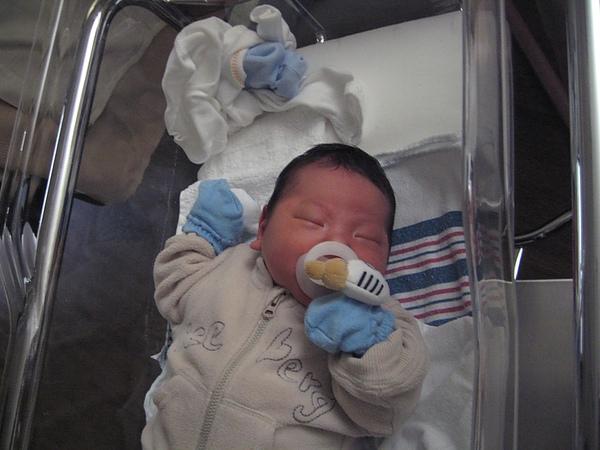 Jaydan at hospital1.JPG