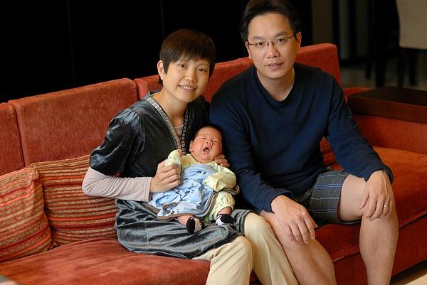 Jaydan & parents2.JPG