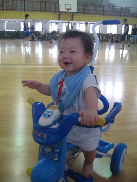 騎小車2.JPG