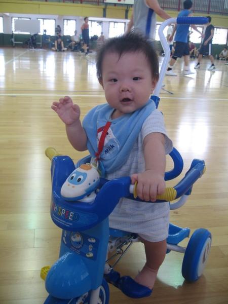騎小車1.JPG
