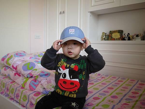 謝謝文豪叔叔送我的帽子.JPG