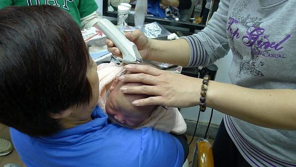 剃頭2.JPG