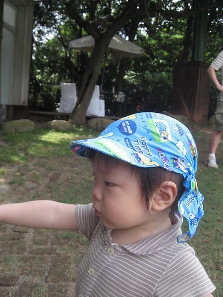 戴新帽.JPG