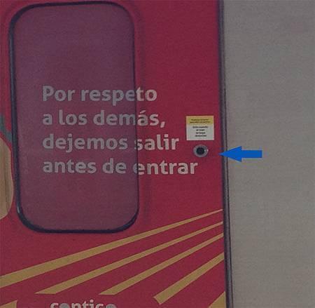 metro button.jpg