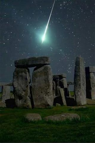 Meteor over Stonehedge, England.jpg