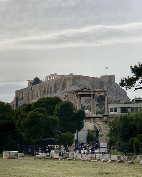 遠眺衛城(Acropolis)