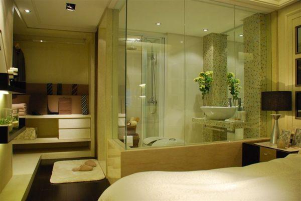 特寫2樓衛浴室