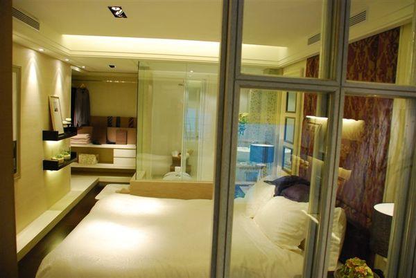 再來一張臥室全景