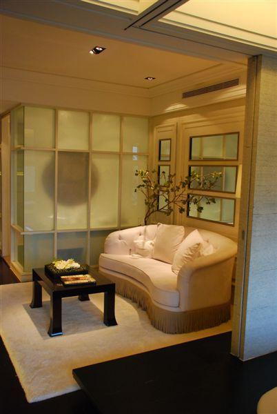 客廳和衛浴室牆面