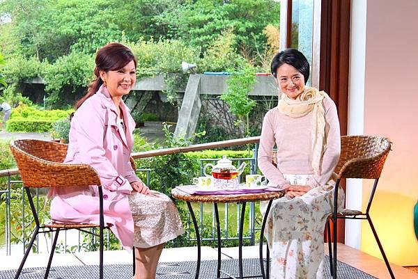 兩位氣質美女的下午茶談天