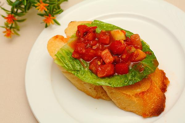 法國麵包佐有機莎莎醬