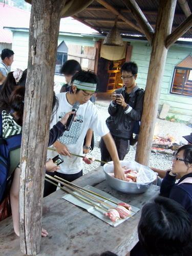 70 準備烤山豬肉