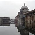 基督教科學中心前的大水池.jpg