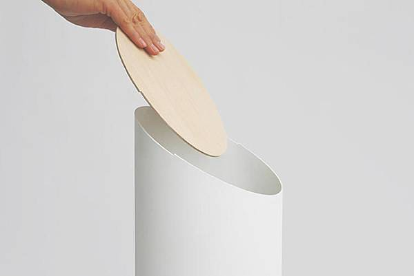3034628-slide-s-2-a-japanese-trash-can-for-jony-ives-office