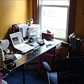超大的玻璃書桌.jpg