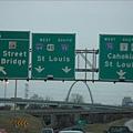 看到St. Louis的路牌嘍.jpg