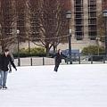 美術館前的溜冰場.jpg