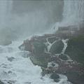 美國那邊近看小瀑布的步道.jpg