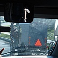 路上奔馳的馬車.jpg