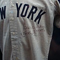 Mickey的簽名球衣.jpg